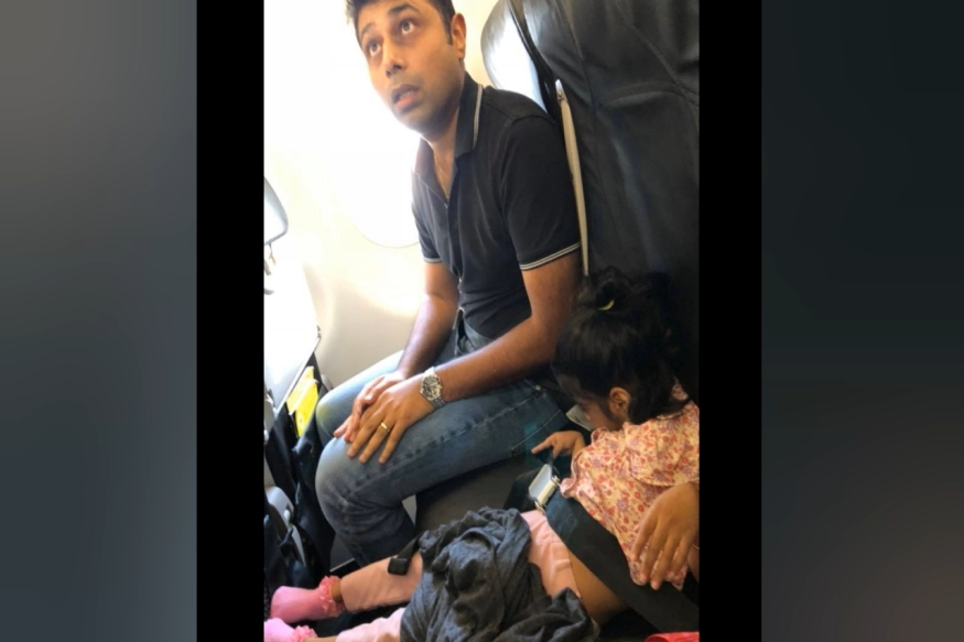 family harassed by singapore airlines01